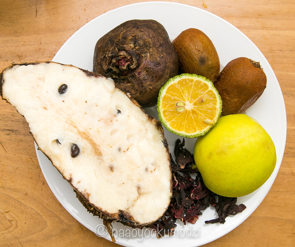 Ingredients : sour sop, hibiscus tea, apple, lemon, kiwi and raw beet
