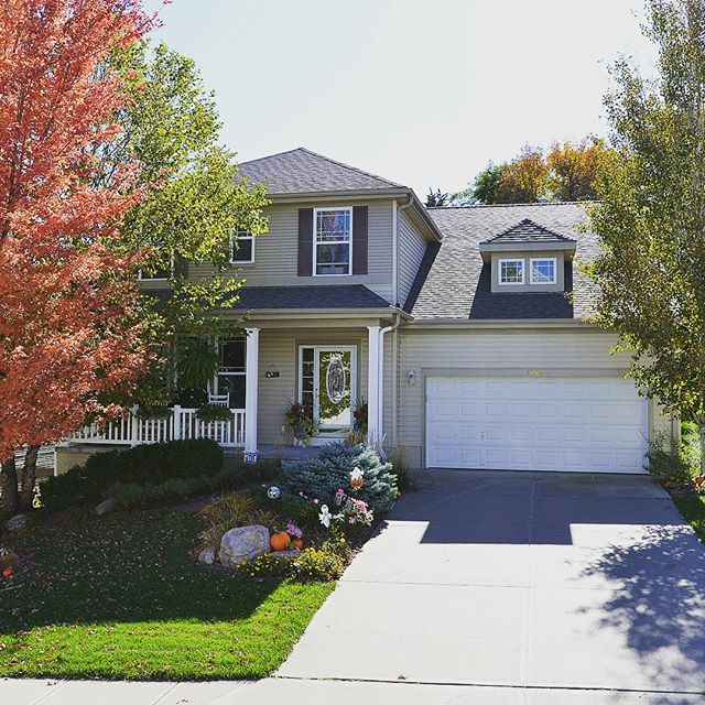 Cozy two story home in Shadowbrook ready for new owners! 4 bedrooms | 4 bathrooms | 3,507 fsf  Beautiful backyard oasis! Spacious home you must see. Call JD at 402-201-7653 to see this one today! Link in comments. #homesforsale #benningtonnebraska #erbgroup