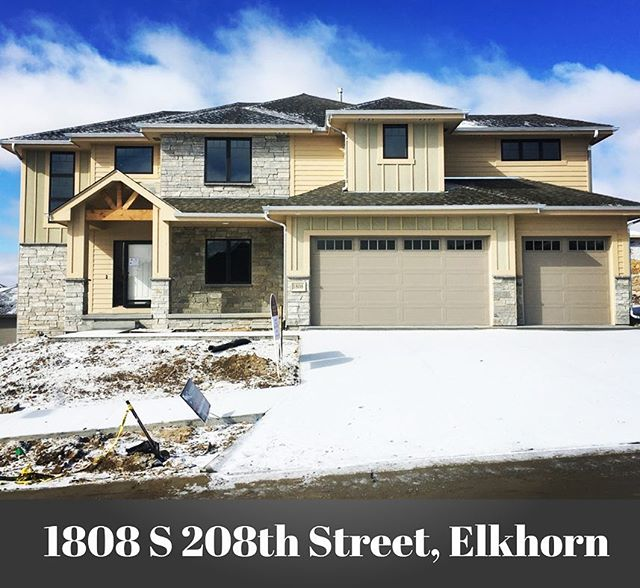 Gorgeous Ramm Construction home available now! @rammomaha #newhome #homesweethome🏡 #twostoryhome #elkhornnebraska #rammrocks #windgateranchhomesforsale