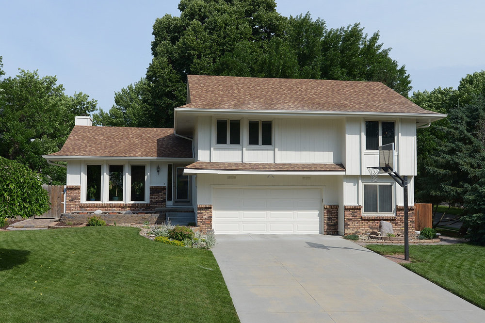 5806 S 152ND AVE FRONT.JPG