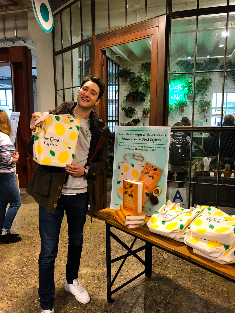 Our co-founder Alessandro Biggi proudly holding up his gorgeously designed tote bag.