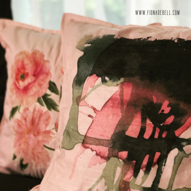 Designer on a dime. Designer pillow decor for less than you think.  |  fionadebell.com