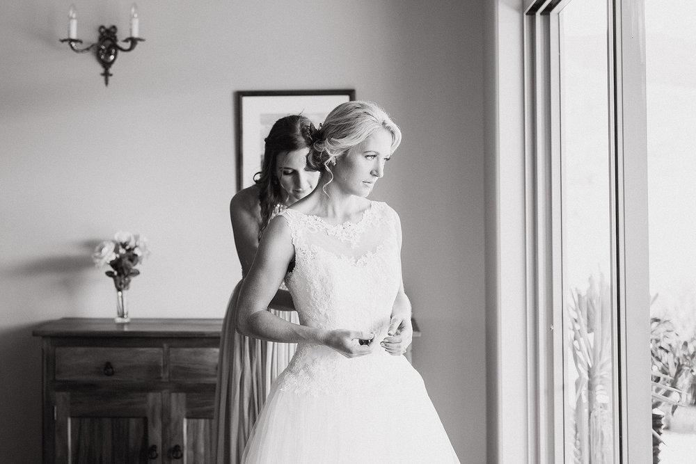 Bridal-preparation-(30-of-43).jpg