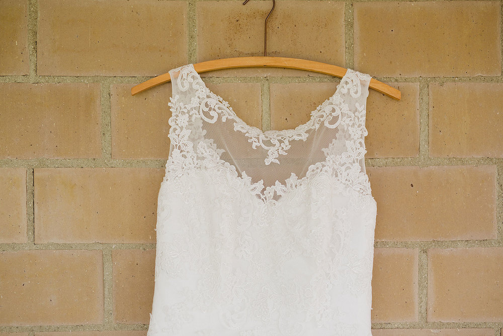 Bridal-preparation-(16-of-43).jpg