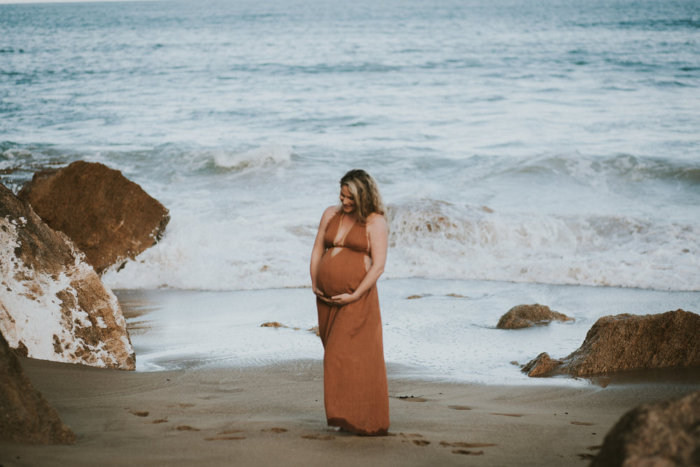Lisa Fisher Photography - Hawkes bay Maternity shoot waipatiki beach-29.jpg