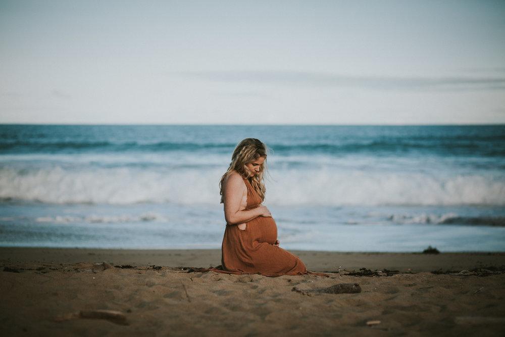 Lisa Fisher Photography - Hawkes bay Maternity shoot waipatiki beach-61.jpg