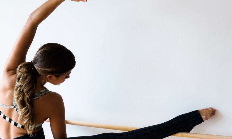 Why Those Micro-Movements in Barre and Pilates Classes Burn Like Hell - Self Magazine