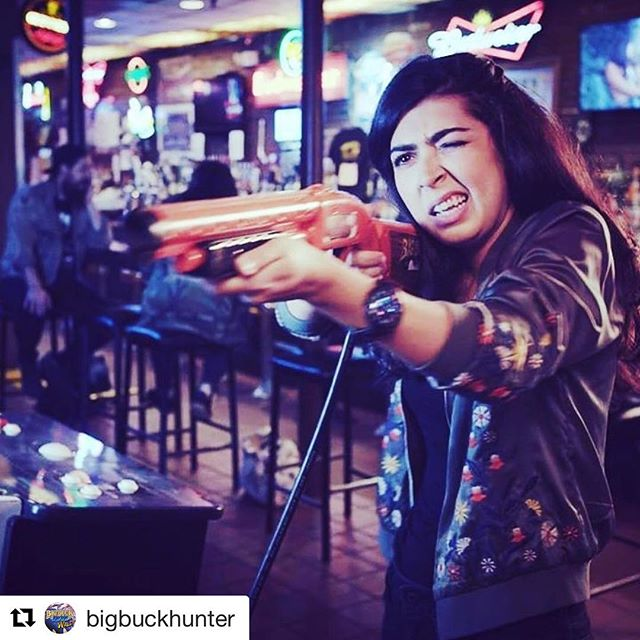 Thanks for the shout out! @bigbuckhunter with @get_repost ・・・ @saharelmi has the one eyed technique DOWN! 😉 #bigbuckhd #ready #aim #fire . . . #bigbuckhd #bigbuckhunter #chicago #il #newcontent #softwareupdate #arcades #arcadegames #playgames #buckhunter #games #arcade #arcades