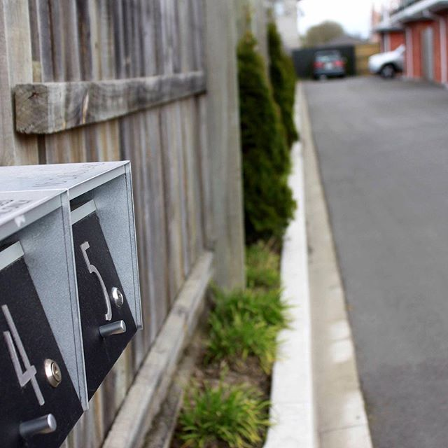 Recently I've been exercising my photography skills with a client at house number 5 📷 #photographer #butnotreally #picture #glamourshot #photo #house #home #magizine #website #design #5 #mailbox #driveway #thereismore #waitandsee