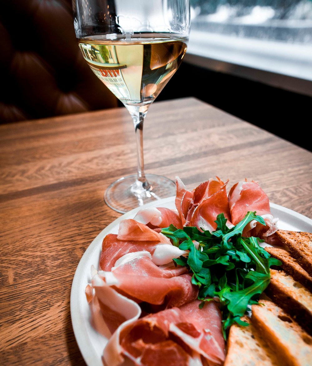 Scacciadiavoli Grechetto, from Umbria, is a perfect match with our Prosciutto!