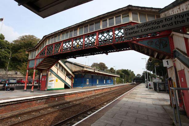 The-original-footbridge-at-St-Austell-Railway-Station.jpg