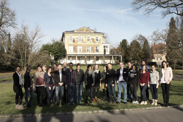 """2014 wurde die Consulting Akademie Unternehmensethik zum Thema """"Verantwortung in der globalen Wertschöpfung"""" in Konstanz am Bodensee von Jan Hendrik Quandt, Christoph Schank und Kristin Vorbohle veranstaltet."""