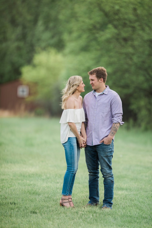 South Dakota Wedding Photographer - South Dakota Engagement