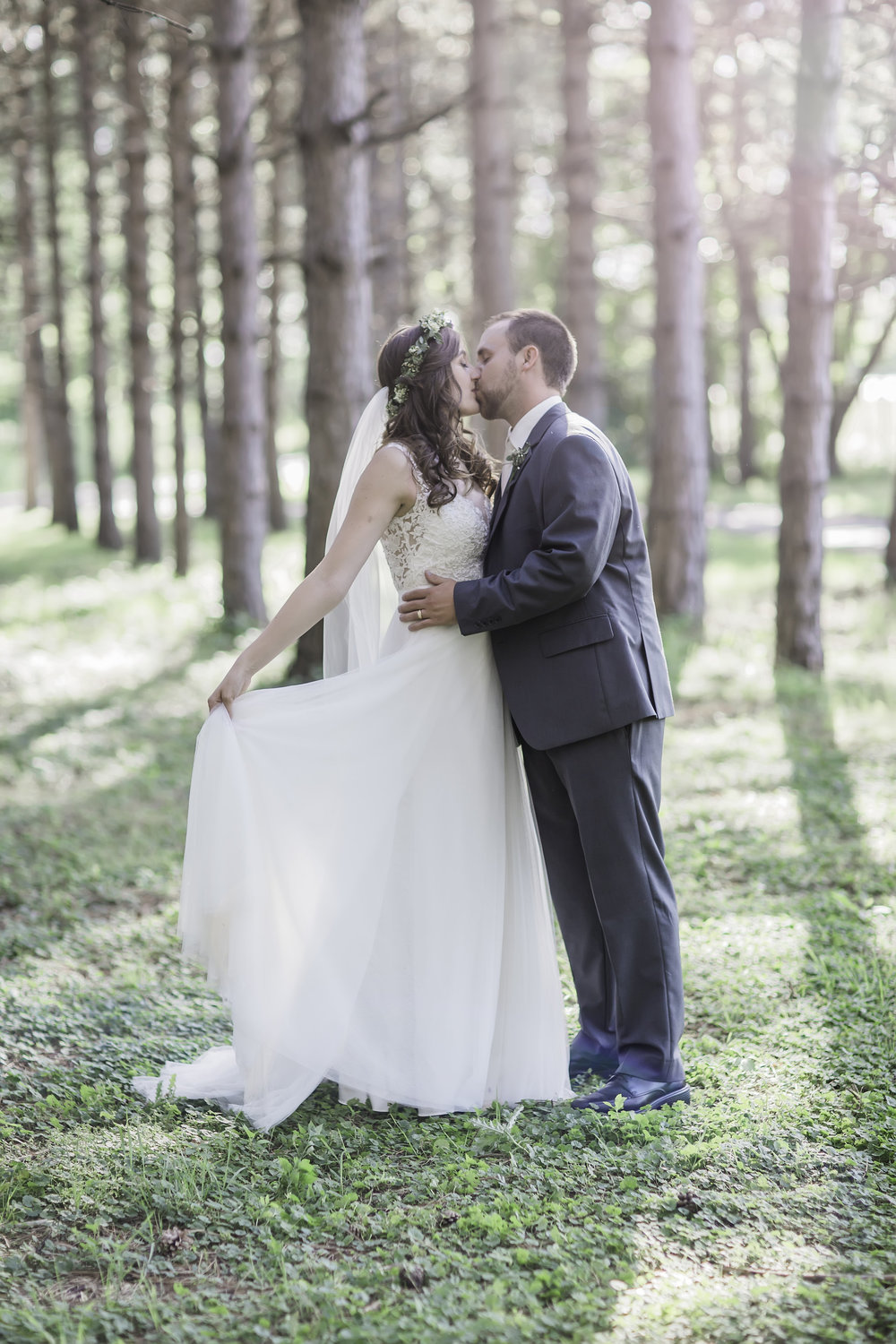 South Dakota Wedding Photographer - Outdoor Wedding