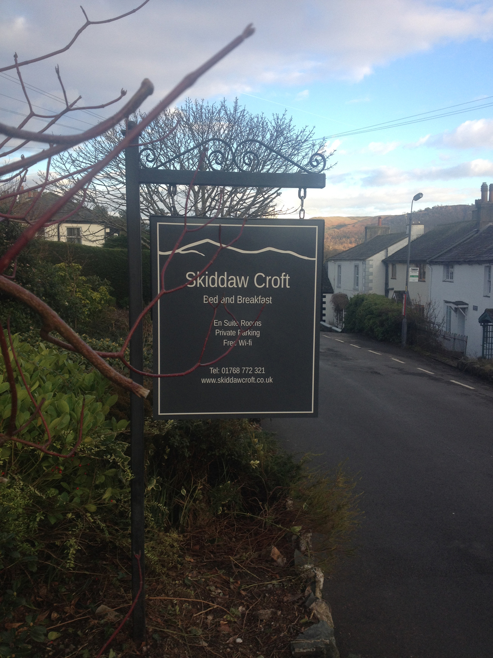 skiddaw_croft_b&b_sign_roadside_left.jpg