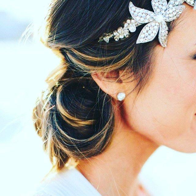 #Pilsenwedding #bigdiamondstuds