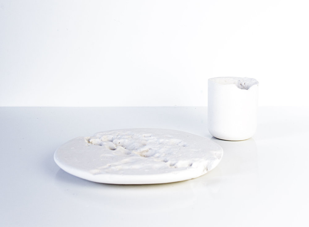 Ceramic and water pressure create the tableware collection Ripple Marks by Kirsi Enkovaara