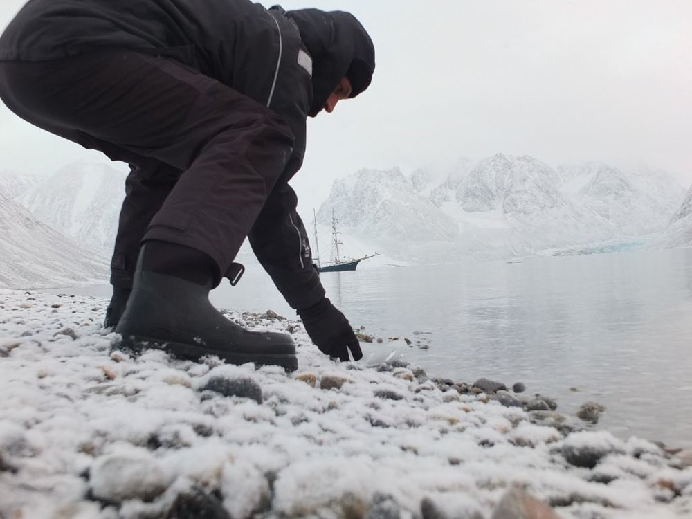 Joshua Abarbanel launching  Ice Boat . Photo by Richard Painter