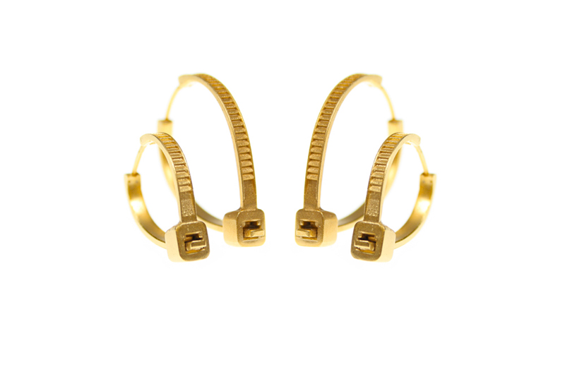 Katrin Spranger,  Best Before Extended,  Zip-tie earring hoops, silver, gold plated