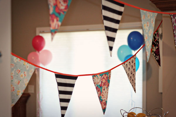 gender reveal party decorating