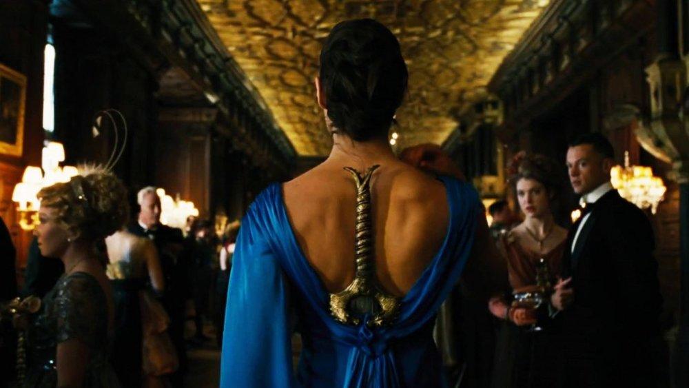 wonder-woman-dress-in-movie-1-1360x765.jpg