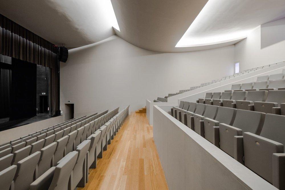 teatro-auditorio-llinars-valles-14