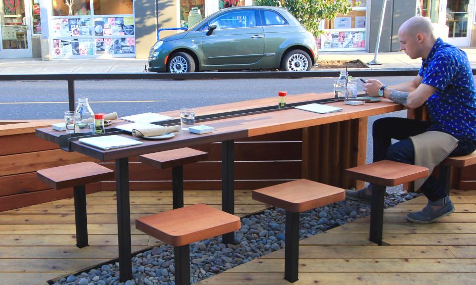 Bamboo-Sushi-Street-Seat-01-960x576.jpg