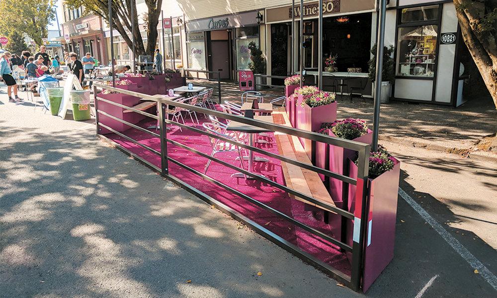 Wine30-Streetseat-Parklet-01.jpg