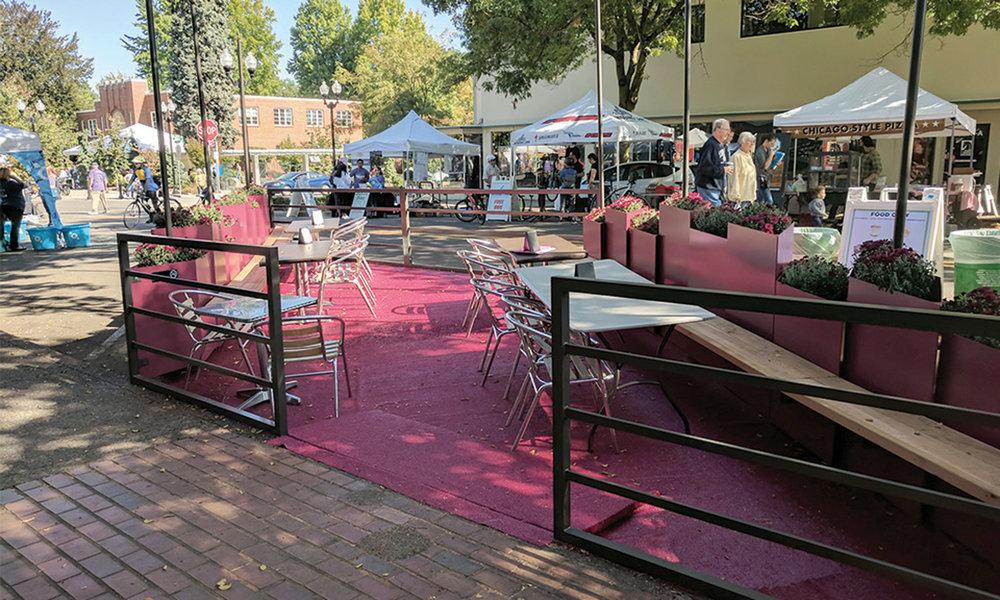 Wine30-Streetseat-Parklet-04.jpg