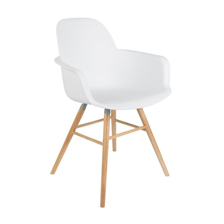 My new favorite Chair! De 'Albert Kuip'van Zuiver. Onlangs won ik er 1 op de VT Wonen en Designbeurs. Nu nog 1 voor aan mijn bureau dus ...:)