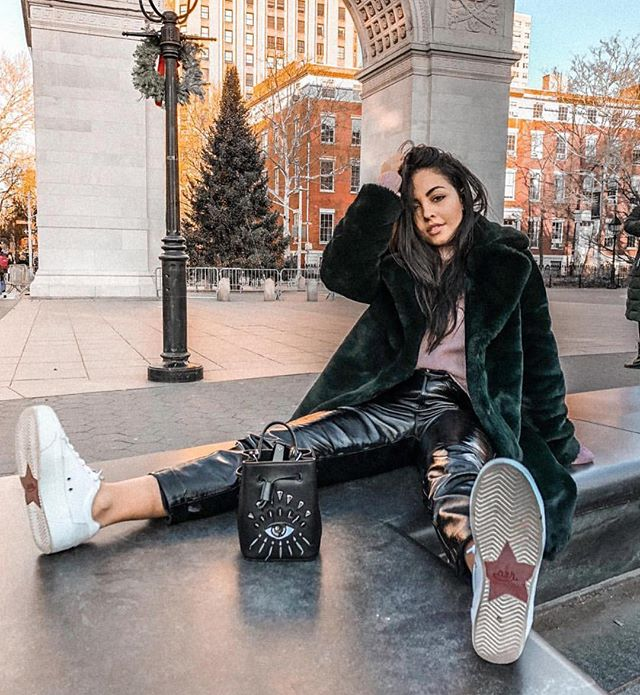 a cold holiday day in the park 🎄🤩 #nyufashion (Repost: @gabriellazacche)