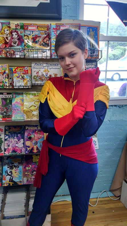 The suit was made by Glass Arrow Cosplays. I just love Captain Marvel so much. -Sarah (She was the sweetest.)