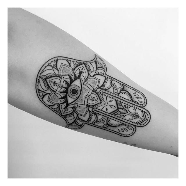 I've got my 👁 on you... Hamsa from last week @inkandwatertattoo ! . Let me know what you think in the comments 👇🏻! . . . . . #toronto #torontotattoos #tattoo #tattoos #mandalas #geometric #blackwork #blackworkers #blacktattoos  #tattooart #artist #eikon #art #ink #darkartists #tattoomagazine #tattoocollections #instatattoo #tattoooftheday #tattooed #tattooartist #torontoartist #blackworkerssubmission #mandalatattoo #mandala #dotwork #dotworktattoo
