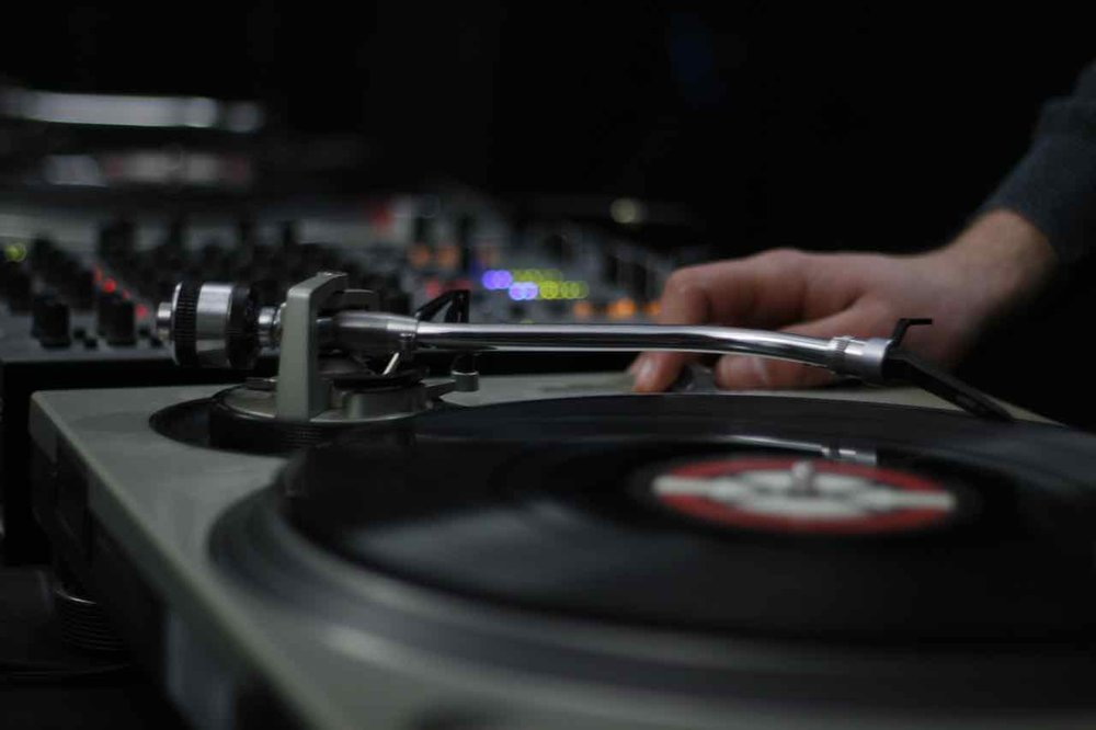 record-vinyl-turntable-night-vehicle-dj-1178855-pxhere.com.jpg