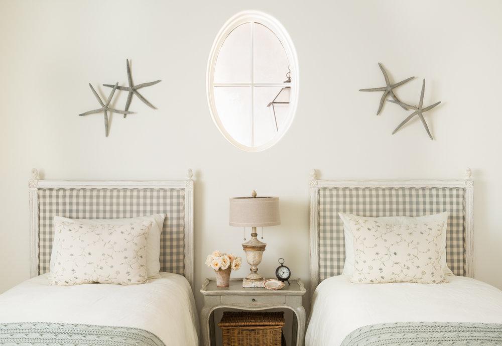 Giannetti_StMalo_Bedroom2-0018-Edit.jpg