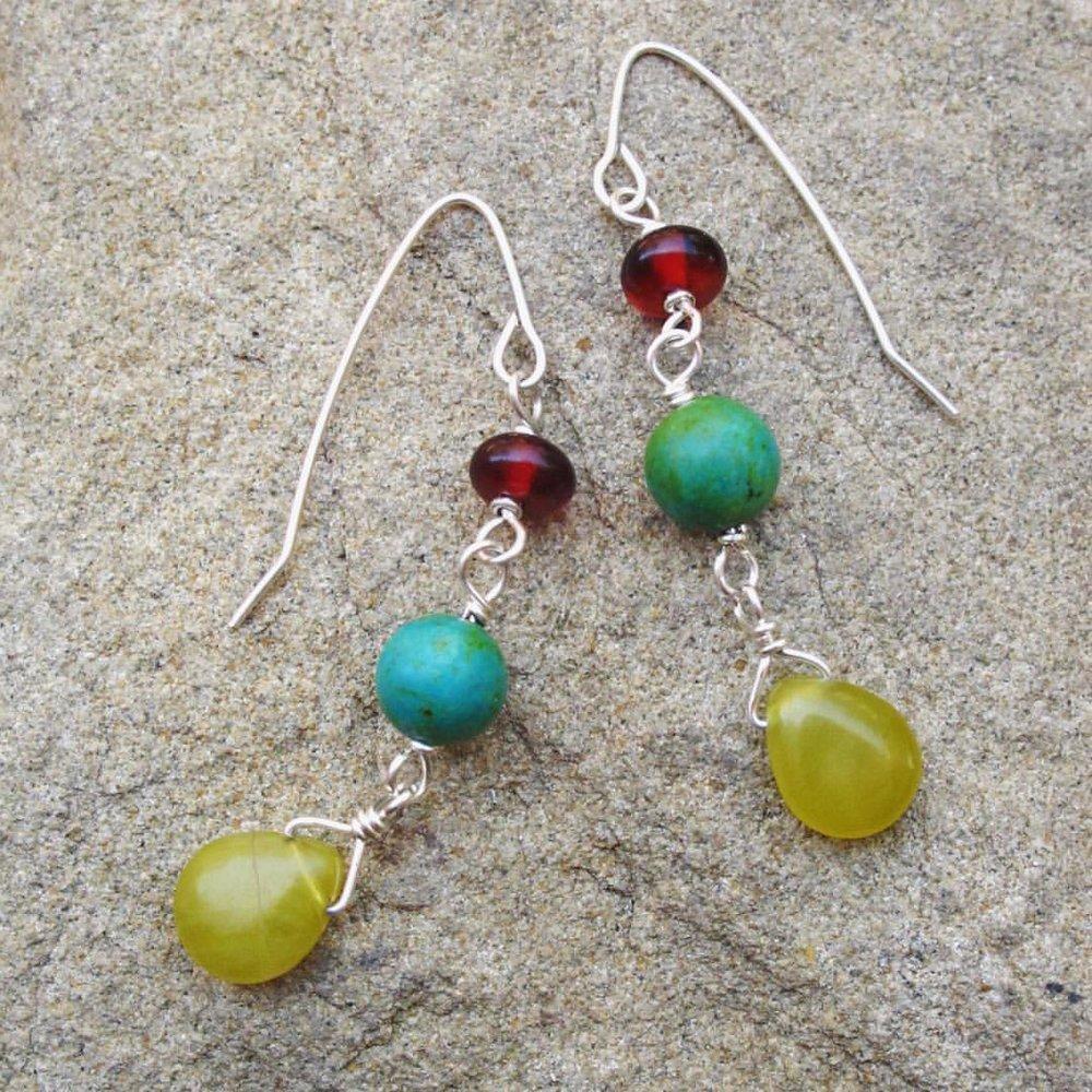 jeromeo_earrings_three_stones.jpeg