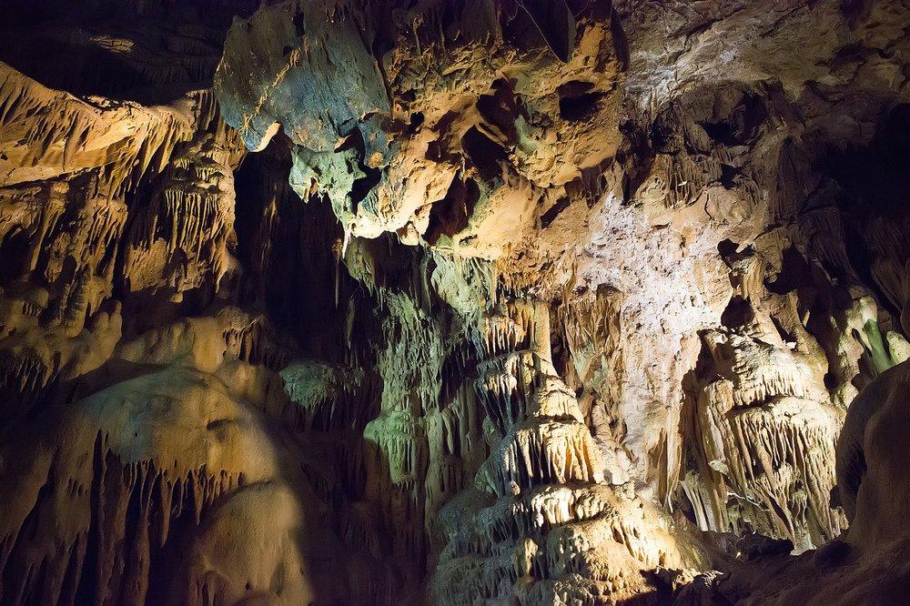 cave2.jpg