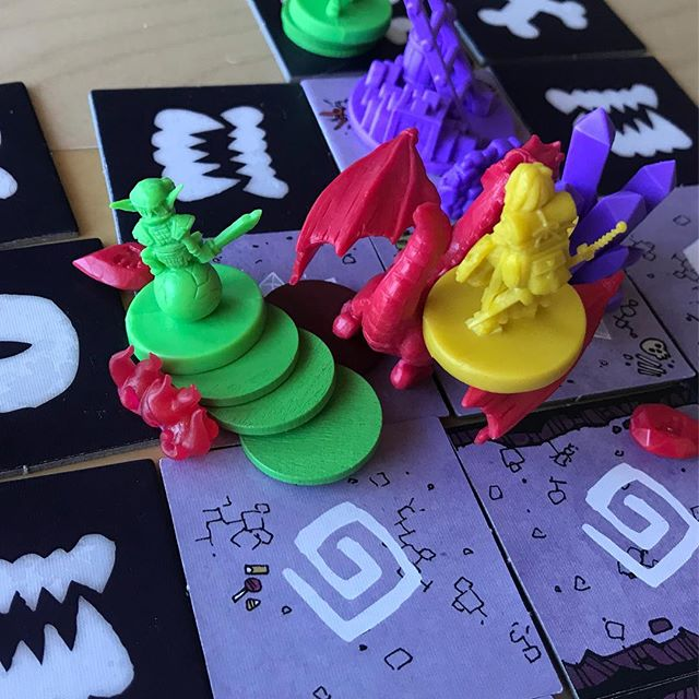 Can you tell who won in this epic battle? #vast #tabletop #bgg #boardgames #analoggames