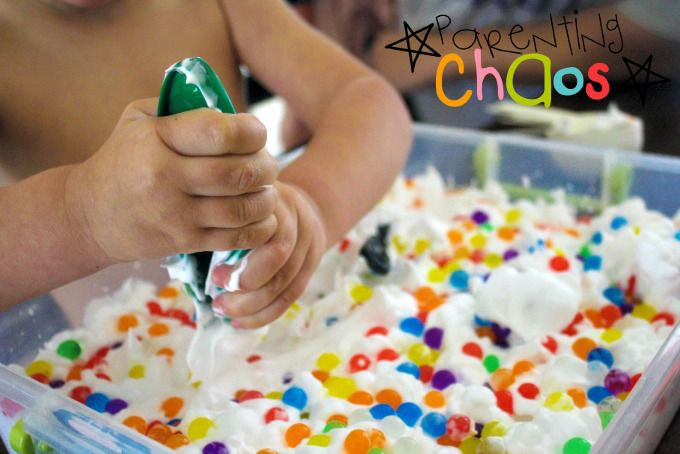SOURCE:http://parentingchaos.com/shaving-cream-and-water-beads-sensory-bin/