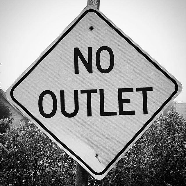 #nooutlet  #keeponkeepingon  #capedogwalking  #dogwalker #hellorhighwater  #wheretheresawilltheresaway