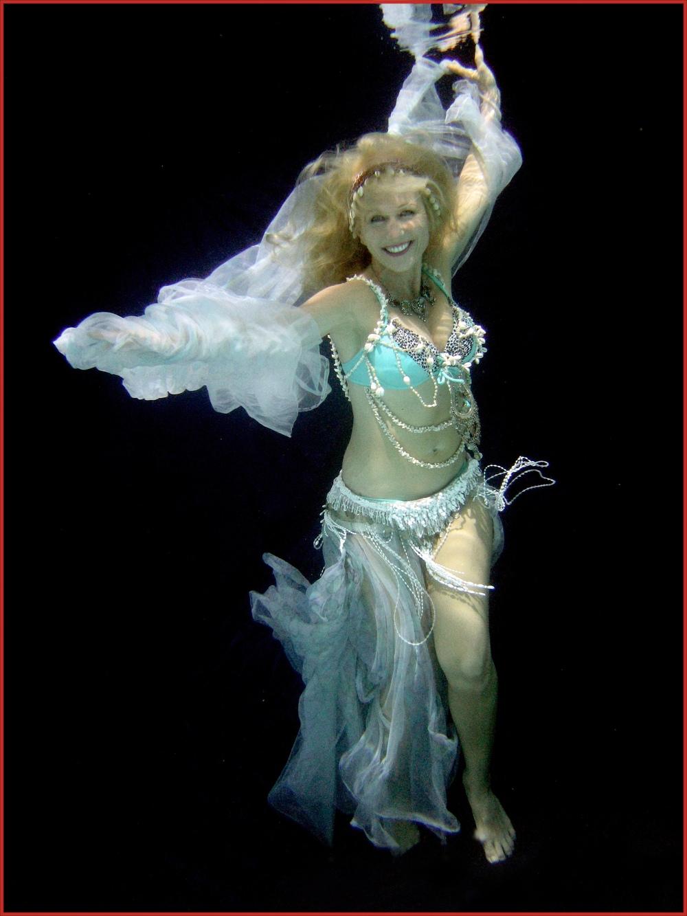 UnderwaterBellyDance2.jpg