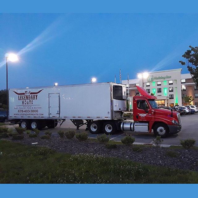 Covering long-hauls across the Southeast, our drivers must eventually rest! Thanks, Ramon Guevara! . . #trucks #truckdrivers #longhaul #foodservice #distribution #logistics #meatdelivery #meats #beef #pork #chicken #seafood #atlantarestaurants#customcutmeat #flavorprofile #customerservice #servicewithasmile #customerfirst @legendarymeatsllc