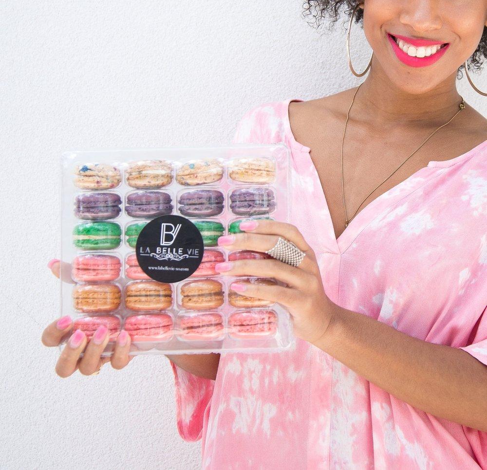 La Classique Macarons (24 pack)