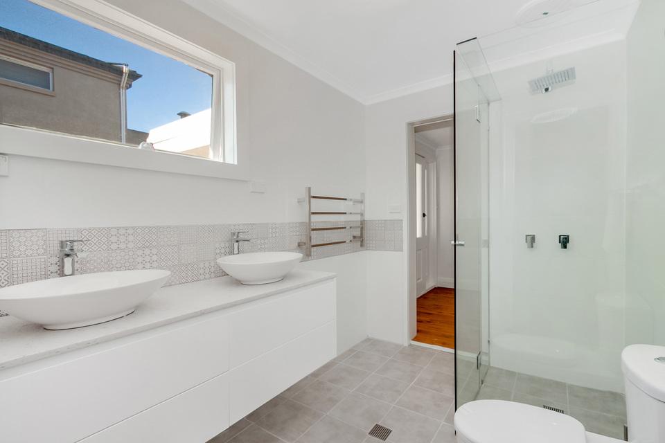 Fischer bathroom.JPG