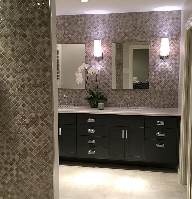 Almost a wrap on this Preston Hollow bathroom remodel and it is just plain dreamy.  #dallasrealestate #dallas #statementdesignbuild #bathroom #remodel #tile