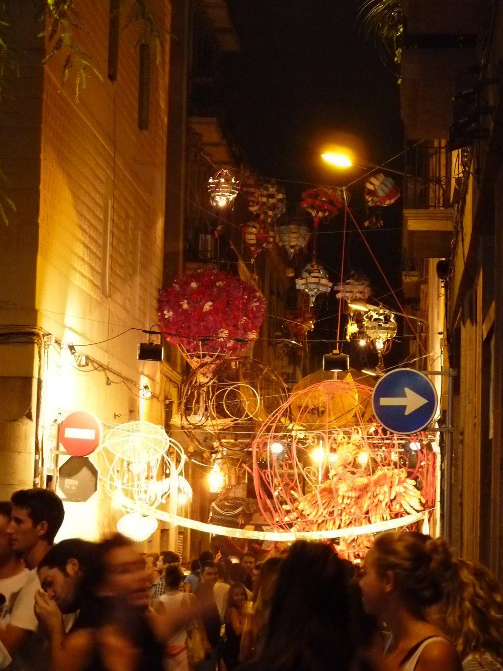 Festival-Gracia-Air-Baloon-Street1-e1383788706964.jpg