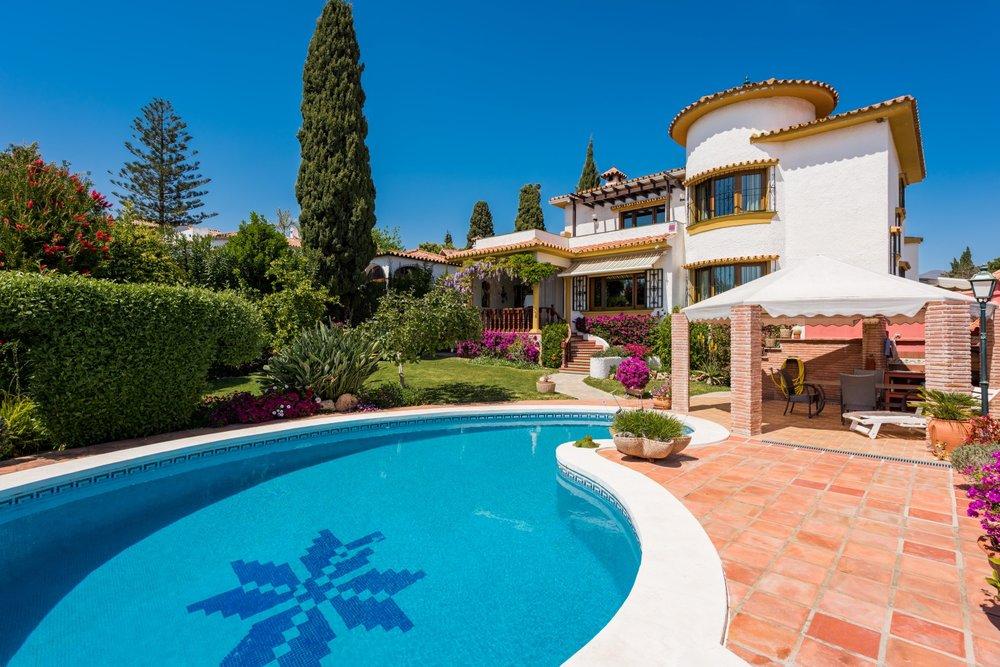 Villa Lindasol T (Large).jpg