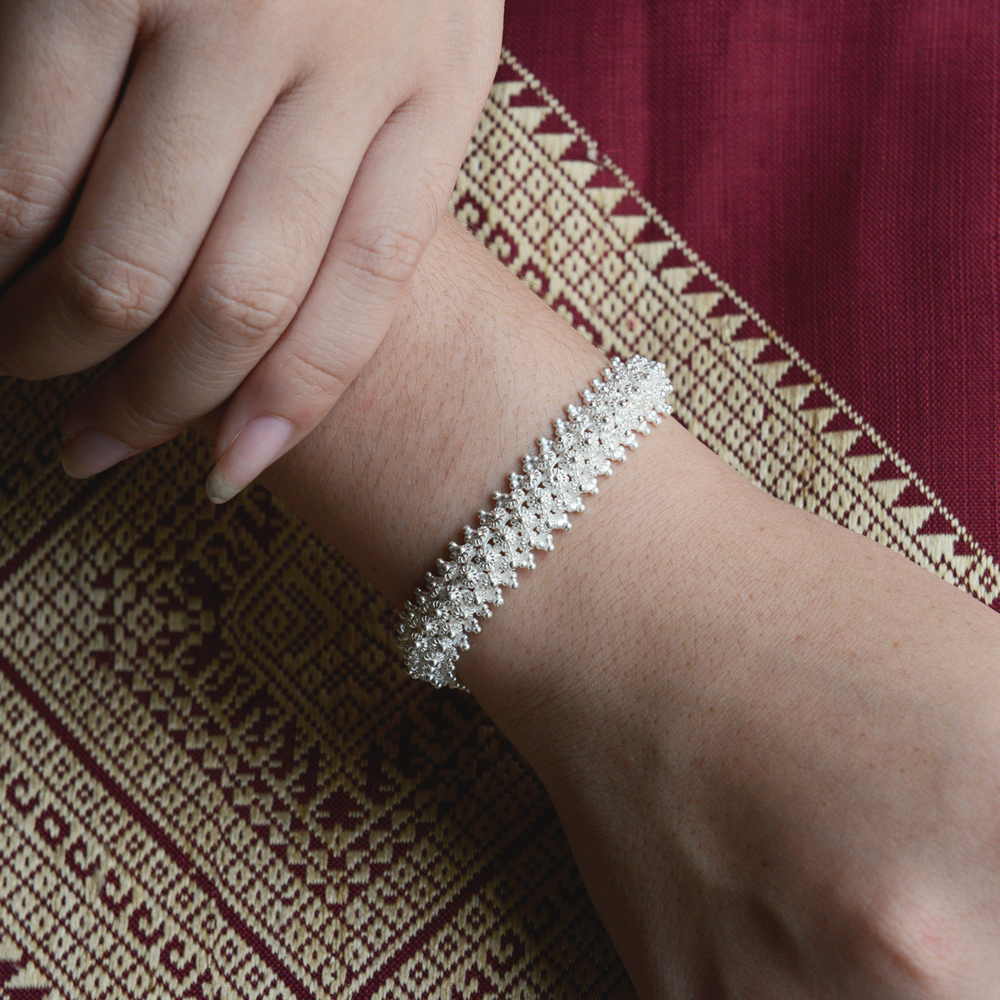 Dok pi-khune bracelet
