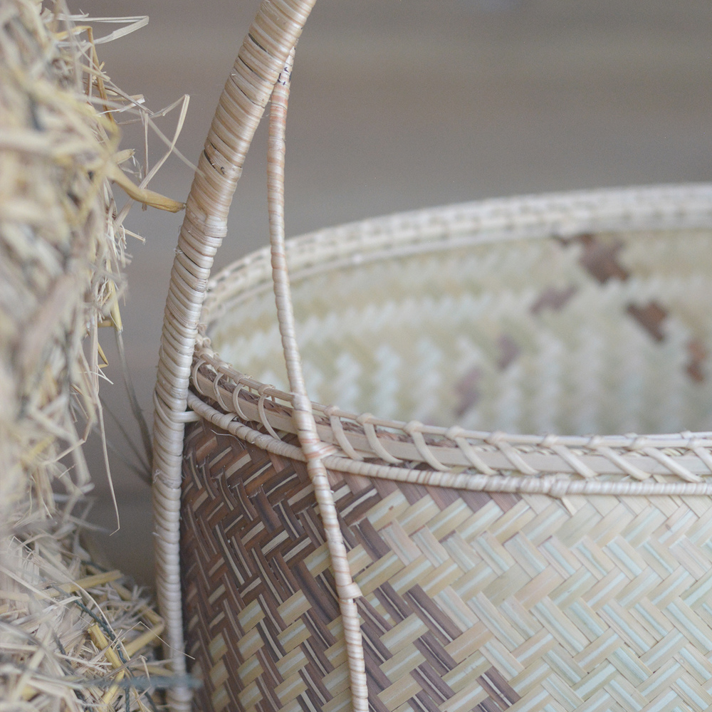 Two-color bamboo basket