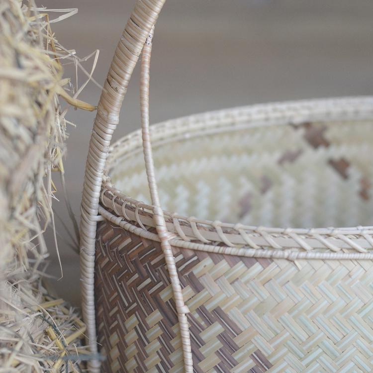Panier en bambou bicolore